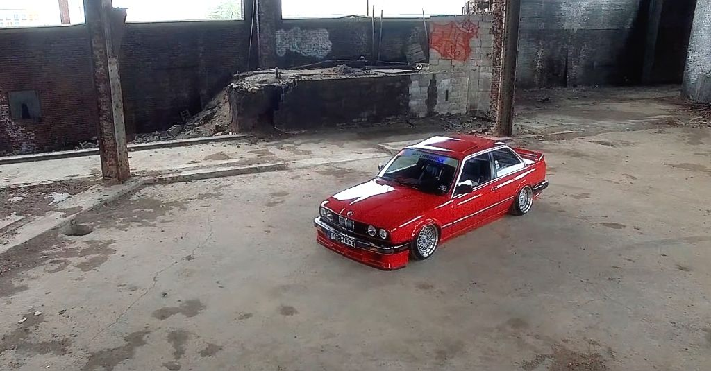 DLEDMV - BMW E30 Brick City - 03
