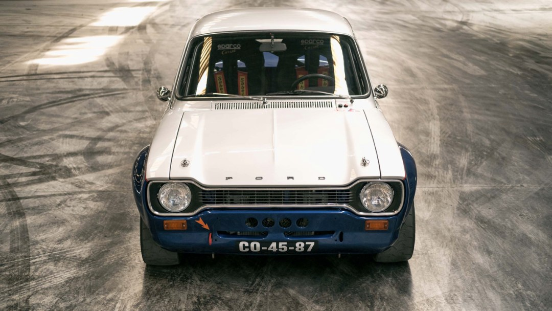DLEDMV - Ford Escort RS2000-R Donuts - 10