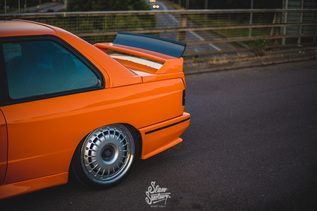 DLEDMV - BMW M3 E30 Orange Airride Bugatti - 12