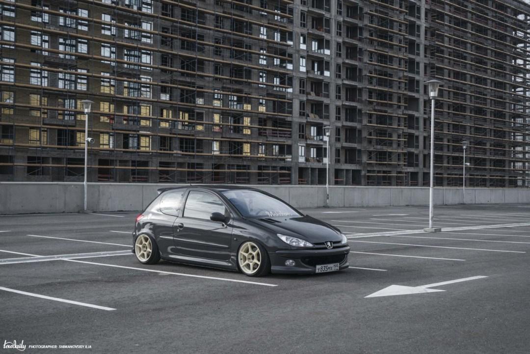 DLEDMV - Peugeot 206 S16 Russe - 01