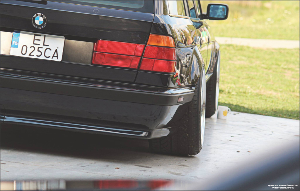 DLEDMV - BMW E34 Touring Slammed - 02