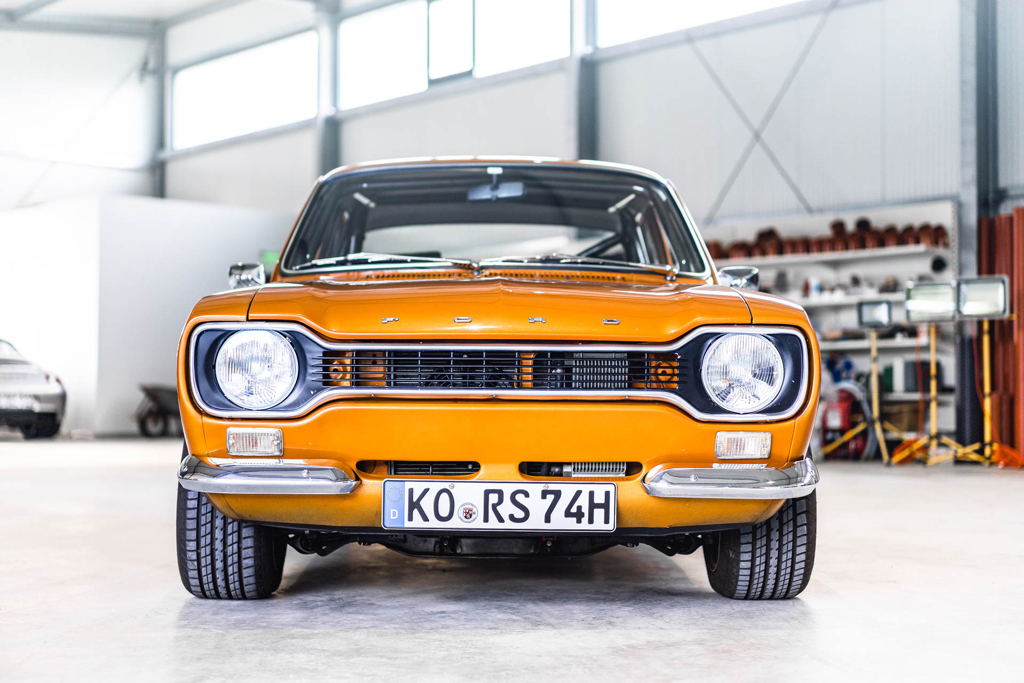 DLEDMV - Ford Escort RS2000 MK1 Restomod -14