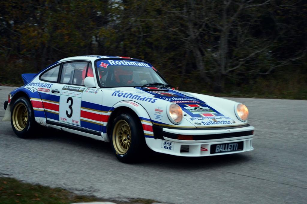 Porsche 911 Gr4 - Monte le son et change de caleçon ! 18