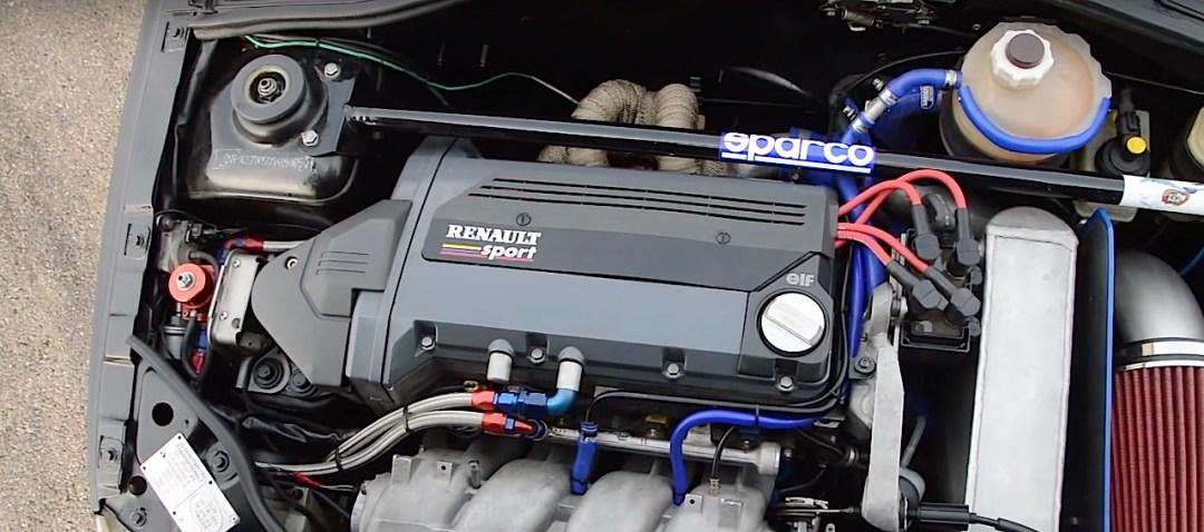 Allez, un p'tit tour en Renault dans une Clio 16s turbo de 370 ch... 19