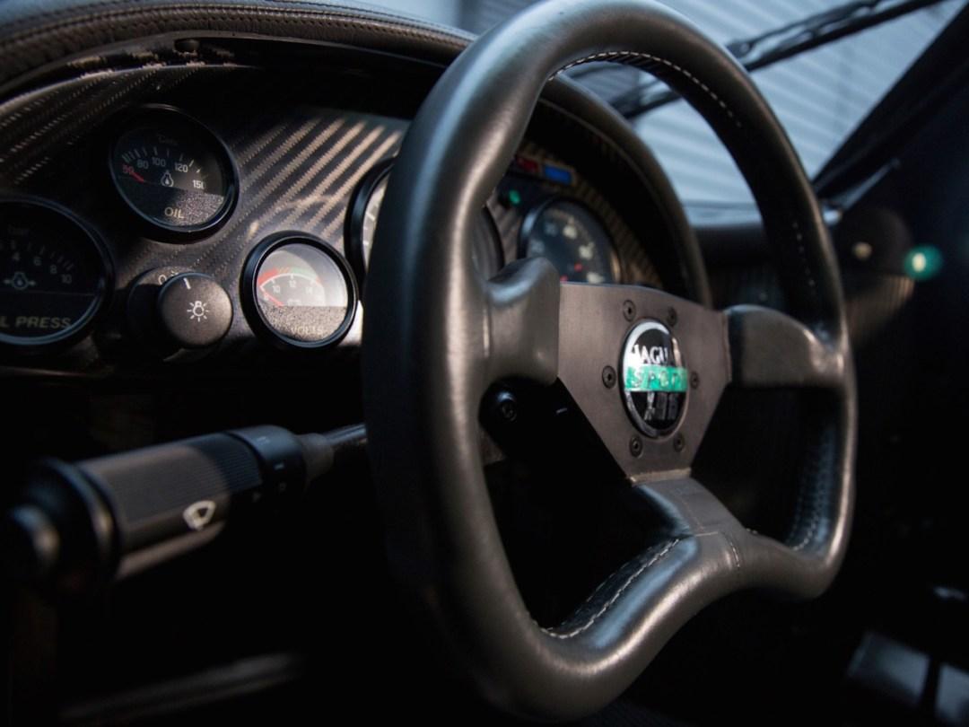 Jaguar XJR15 : De la piste à la route... 45