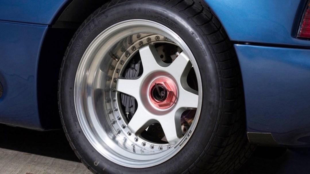 Jaguar XJR15 : De la piste à la route... 48