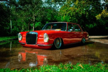 DLEDMV - Red bagged Benz W108 - 07