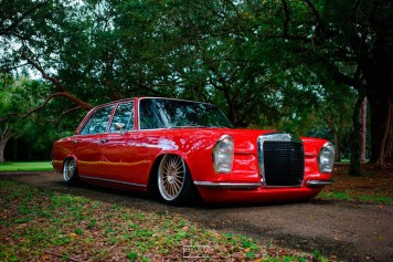 DLEDMV - Red bagged Benz W108 - 09
