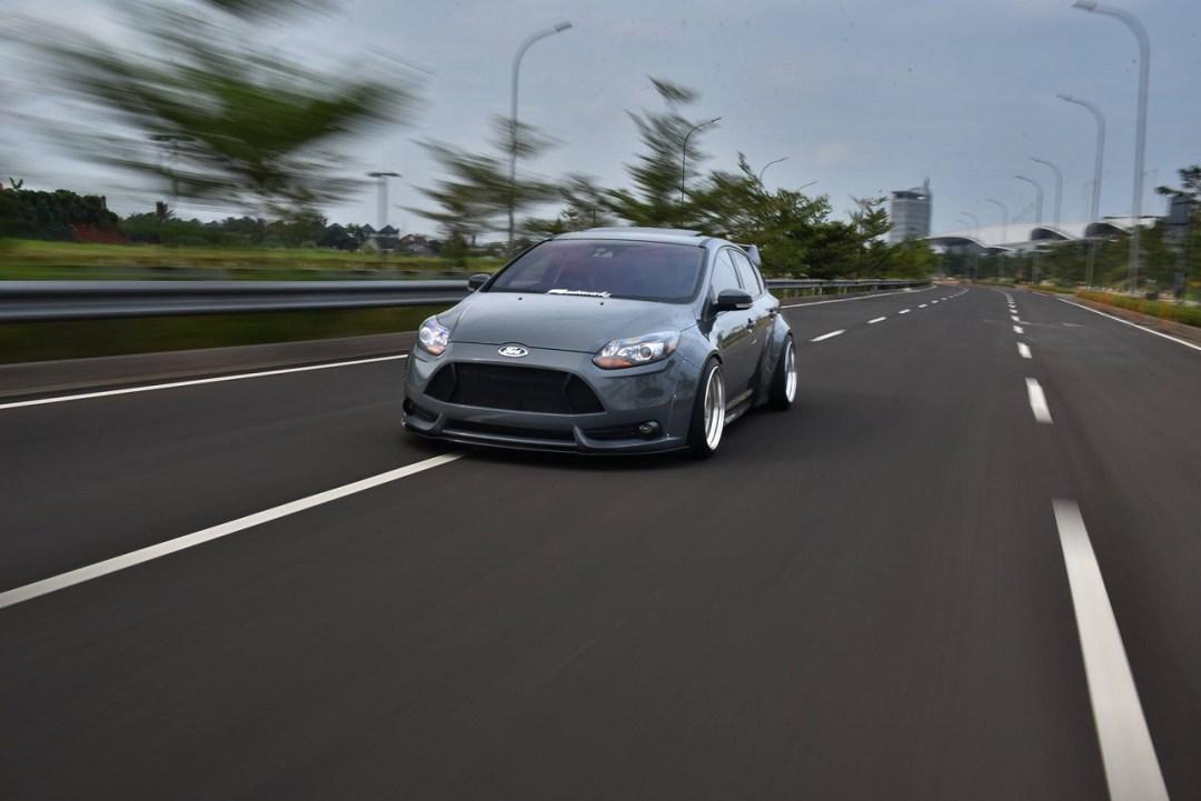 Ford Focus WideBody - Sobre et efficace... 31