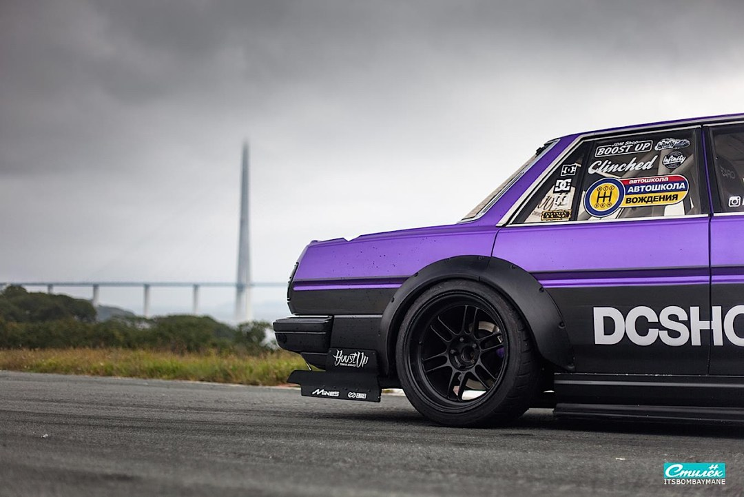 "Toyota Cresta swap 2JZ... ""Purple Rocket"" 28"