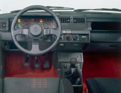 DLEDMV - Street Fighters - 205 GTI vs 5 GT Turbo - 09