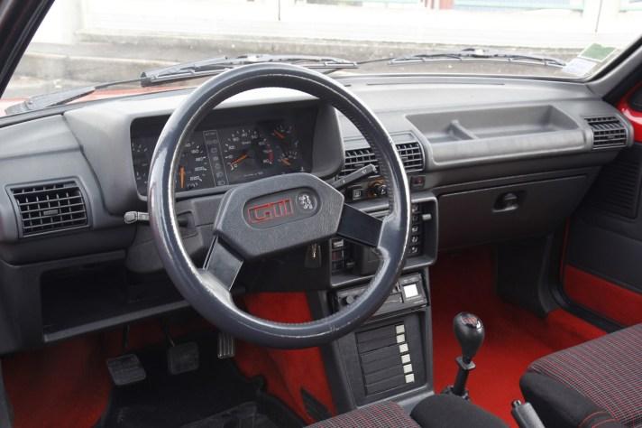 DLEDMV - Street Fighters - 205 GTI vs 5 GT Turbo - 11
