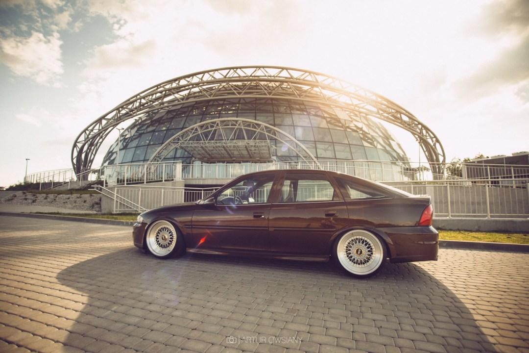 Slammed Opel Vectra... Pari osé ! 18