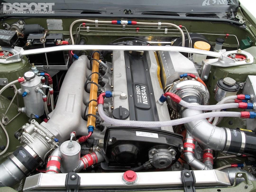 Parlons moteurs... Le légende passe aussi par eux. 152