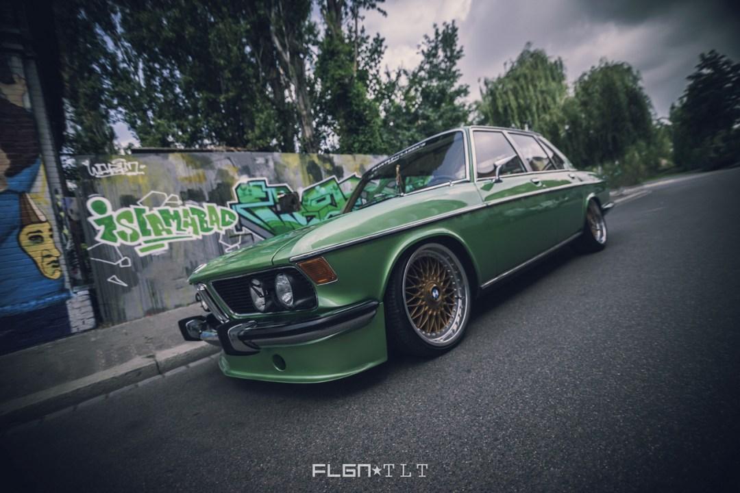 Slammed BMW E3 Bavaria - Allez, on se met un peu au vert ! 23