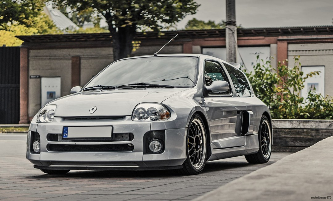 Clio V6... Made in Japan ! 40