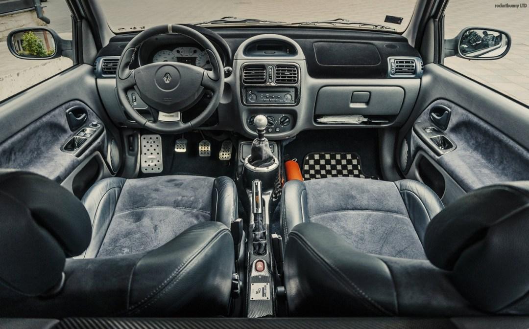 Clio V6... Made in Japan ! 38