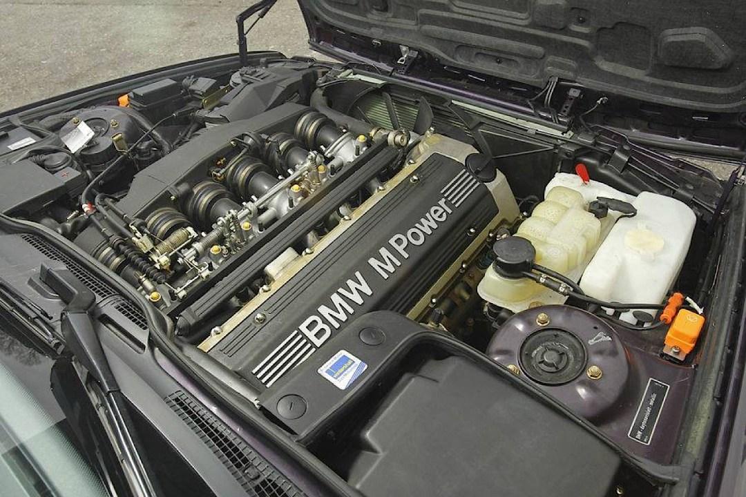 """""""The Street Fighters"""" : Mercedes 500E vs BMW M5 E34 29"""