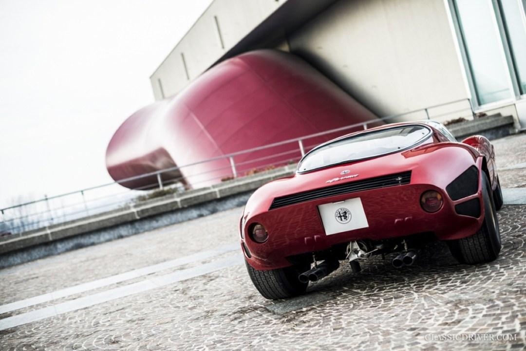 Alfa Romeo T33 Stradale... Oeuvre d'art sur roues ! 56