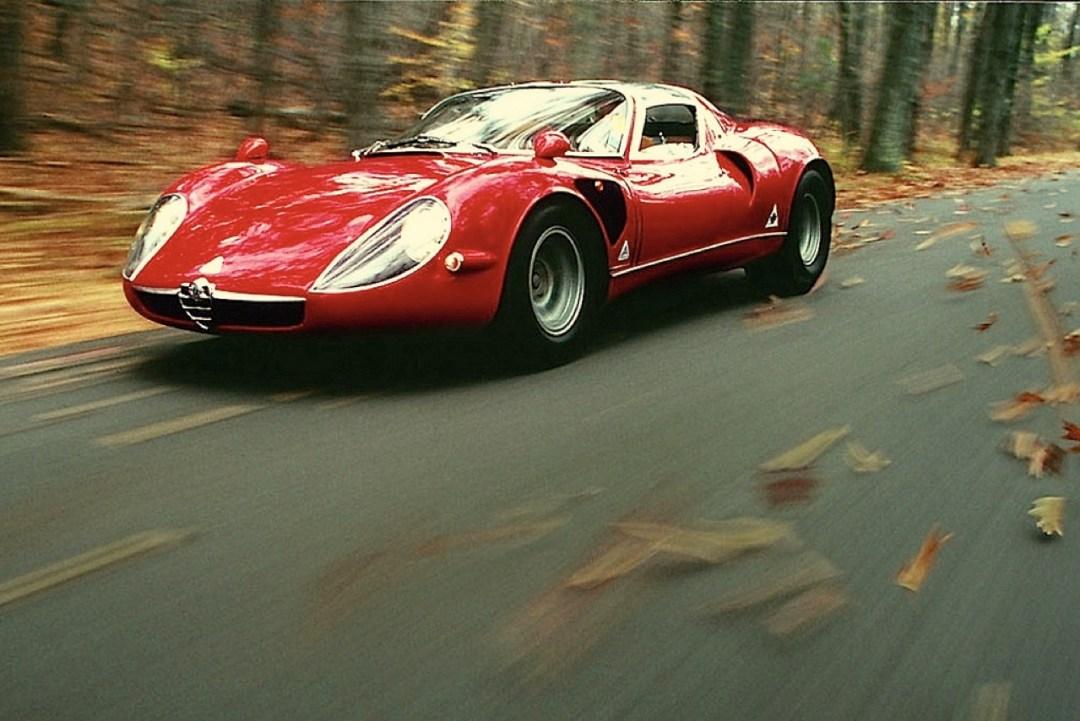 Alfa Romeo T33 Stradale... Oeuvre d'art sur roues ! 51