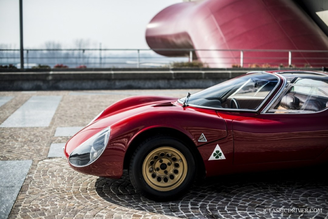 Alfa Romeo T33 Stradale... Oeuvre d'art sur roues ! 41