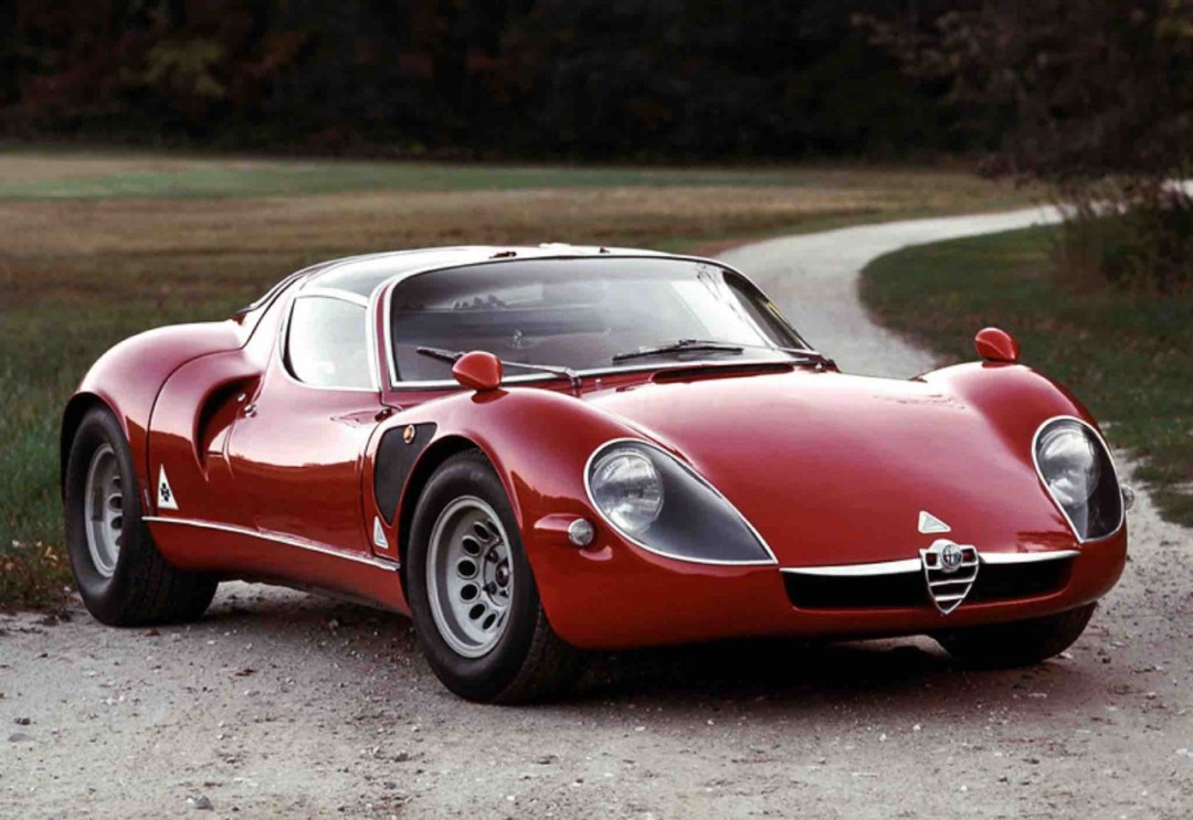 Alfa Romeo T33 Stradale... Oeuvre d'art sur roues ! 45