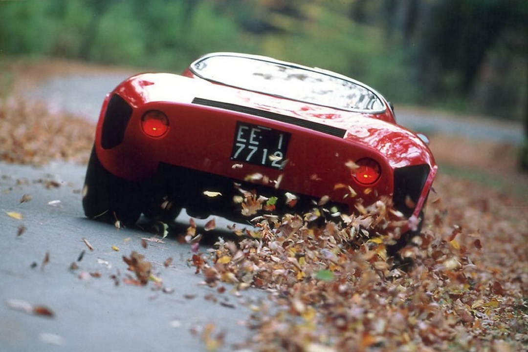 Alfa Romeo T33 Stradale... Oeuvre d'art sur roues ! 46