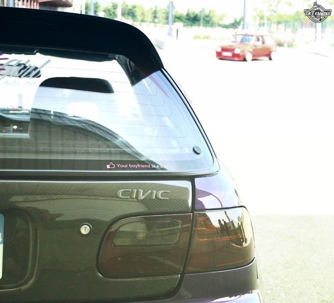 Julie's Honda Civic : Skittles 29