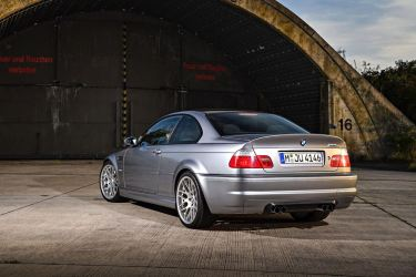 DLEDMV 2K19 - BMW M3 Serie Limitée E46 CSL - 002