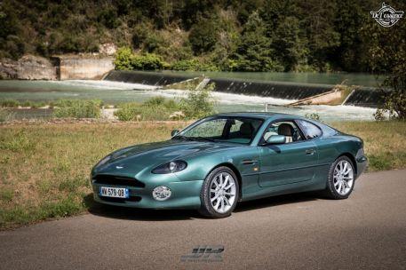 DLEDMV - L'Aston Martin DB7 d'Hedi - Champagne, petits fours et clef de 13 06
