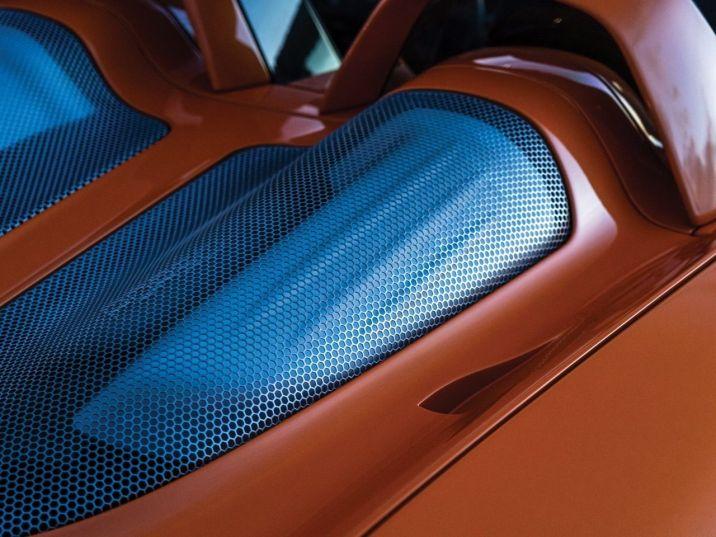 DLEDMV-Porsche-Carrera-GT-Arancio-10