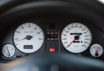 DLEDMV 2020 - Audi RS2 Avant - Un turbo pour papa - 012