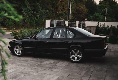 DLEDMV BMW 540i E34 de 1994 - Avec un 6 en ligne compressé 15