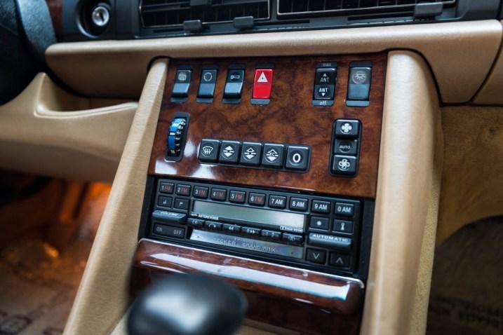 DLEDMV 2021 - Mercedes 560 SEC Cabrio RM Sotheby's - 012