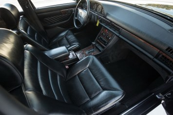 DLEDMV 2021 - Mercedes 560 TEL break RM Sotheby's - 012
