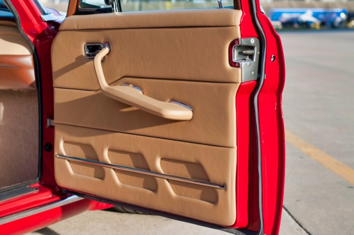 DLEDMV 2021 - Mercedes W108 Red Pig V8 LS - 013
