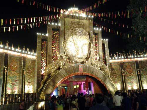 Spectacular Durga Puja Pendal worth 1 Crore