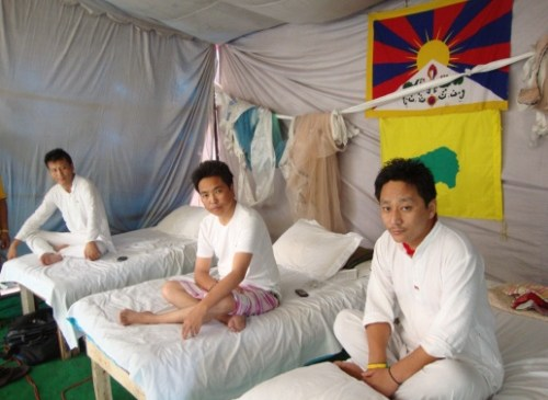 Hunger Strike to End Atrocities in Tibet Called Off After 25 Days and With Assurance from EU