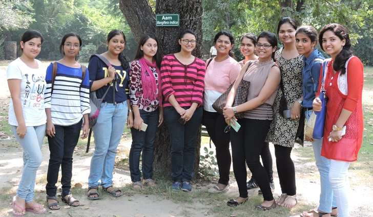 students-of-ip-college-du-labelling-trees-in-campus