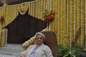 the legendary Mrs Dhun Bagli in front of the Dar-e-Meher