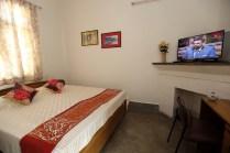 Delhi Parsi Dharamshala Deluxe Room 02