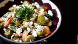 Herbstsalat mit Quinoa und Saisongemüse