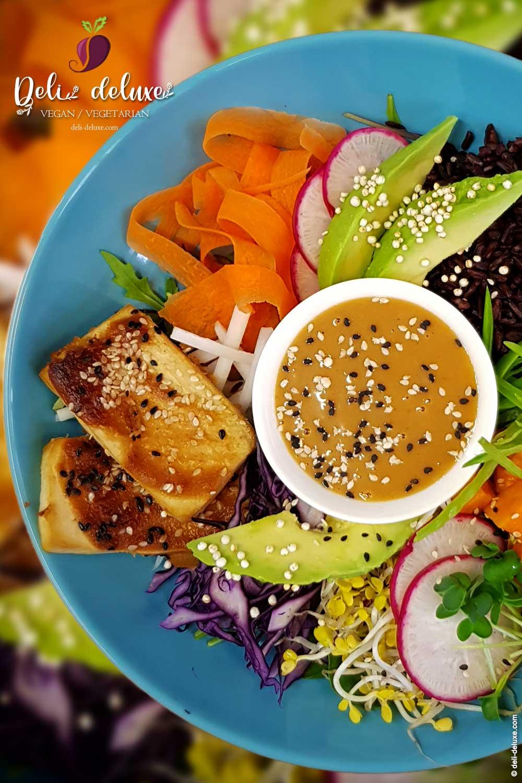 Java-Bowl mit Erdnuss-Tofu 🥕🥕
