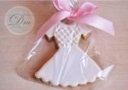 Vestiditos de comunión de niña hecho con glasa (se realizan los adornos personalizados según el vestido de la niña)