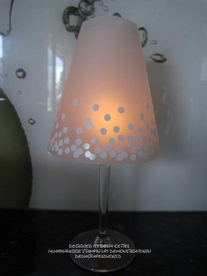 Lampenschirm für Weinglas b