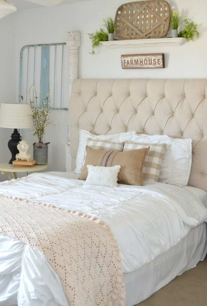 Farmhouse Sweet and Simple Bedroom