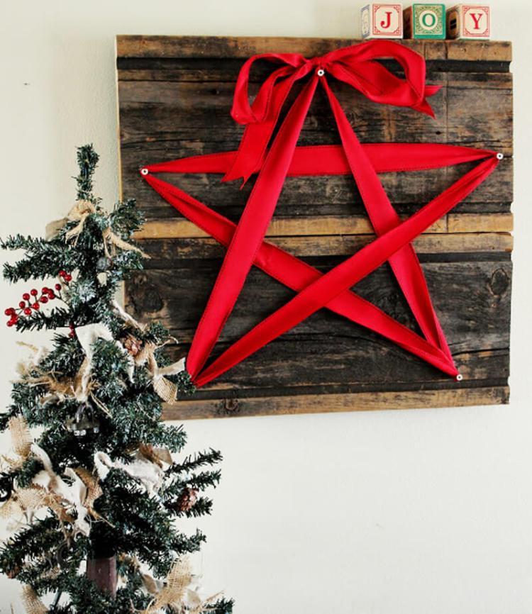 Rustic Red Ribbon Star Wall Art