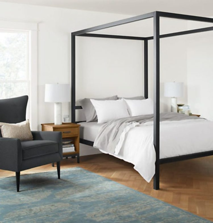31 canopy bed ideas design for your bedroom - Canopy bed in small room ...