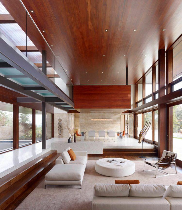 Spacious sunken living room