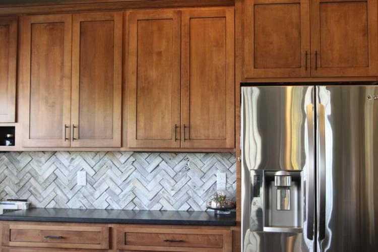 kitchen backsplash ideas dark oak cabinets